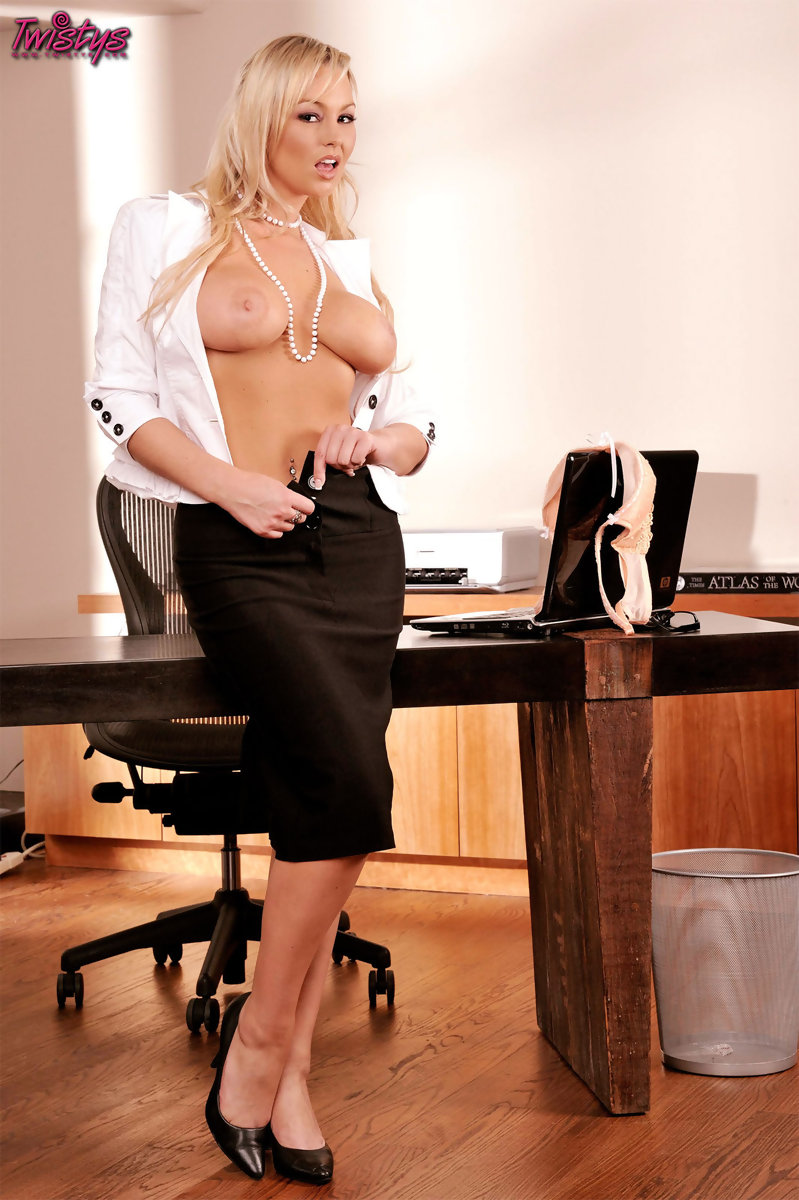 busty-office-clip